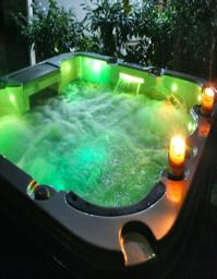 Hot-tub-holidays