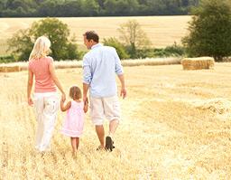 Family-farm-stays